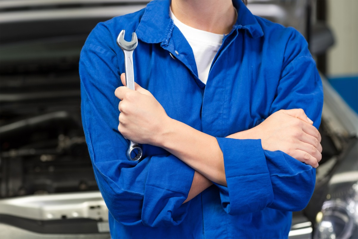 mechanik z kluczem